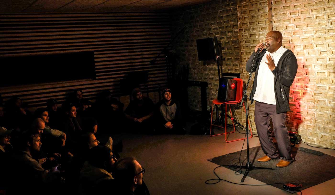Curtis Richardson performing